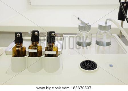 gallipots and medical equipment