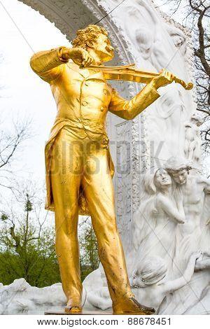 Close up statue of Johann Strauss,  Stadtpark in Vienna, Austria