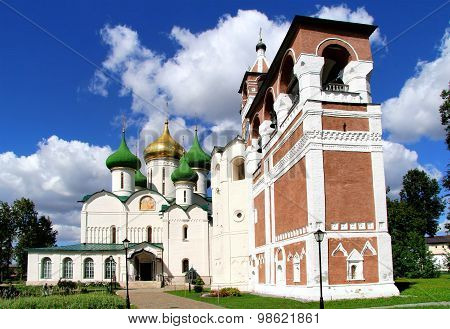 SUZDAL, RUSSIA - AUGUST 23, 2011: Transfiguration Cathedral and bell tower in Monastery of Saint Euthymius, Suzdal, Russia