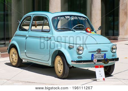 A Fiat 500 At The Vintage Car Show