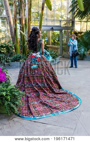 Washington Dc, Usa - January 28, 2017: Young Girl With Quinceanara Dress With Train In National Bota