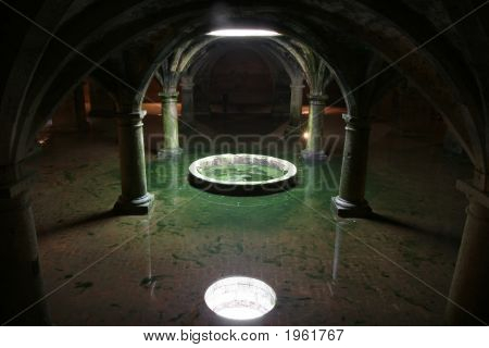 Unreal Vaults Reflection In Water