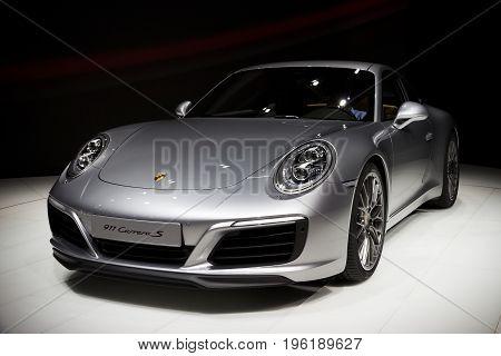 New 2016 Porsche 911 Carrera S Sportscar