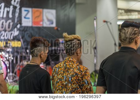 Barber Haircut Show Vintage Hairstyle