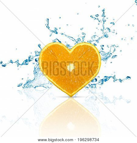 A heart shaped 3D illustration: orange fruit with water splashes on a white background with reflection.