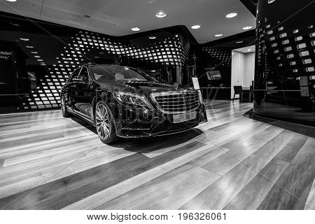 BERLIN - JANUARY 24 2015: Full-size luxury car Mercedes-Benz S350 BT Lang (W222). Black and white. Produced since 2013.