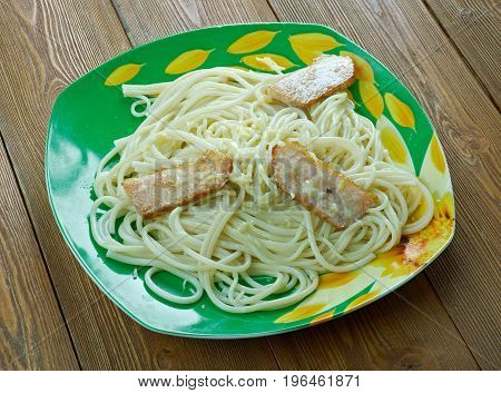 Linguine With Bacon And Cheese