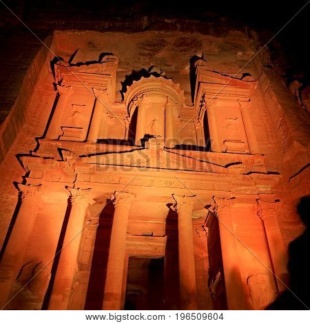 Antique Site  The Beautiful Wonder Of The World At Night