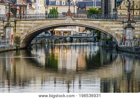 It is the main bridge of this historic and beautiful Belgian city.