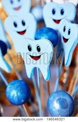 cute cartoon tooth feel happy with happy birthday