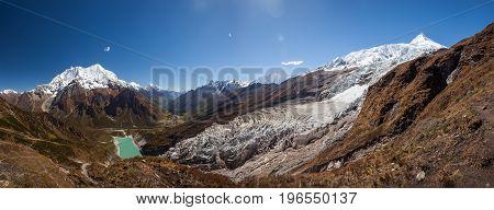 Beautiful panoramic landscapes of Himalaya mountains along Manaslu circuit track in Nepal