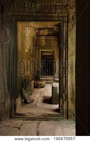 Aligned porticoes and gates along Angkor Thom central shrine.