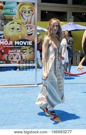 LOS ANGELES - JUL 23:  Kim Raver at