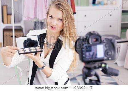 Girl Sells Cosmetics Through Online Shop
