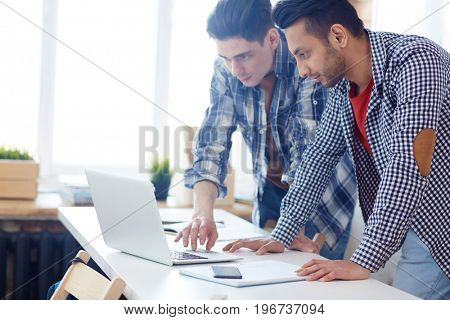 Clever guys reading online data while preparing for conference or exam