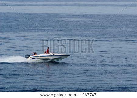 Planing boat