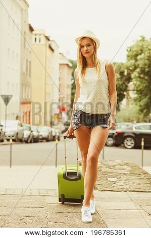 Student Girl Move Out To City.