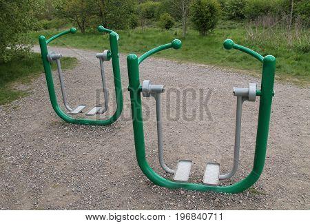 Outdoor Gym Fitness Health Walker Swing Equipment.