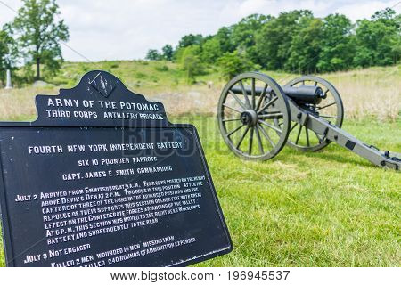 Gettysburg, Usa - May 24, 2017: Battlefield Park With Closeup Of Army Of The Potomac Brigade Sign An