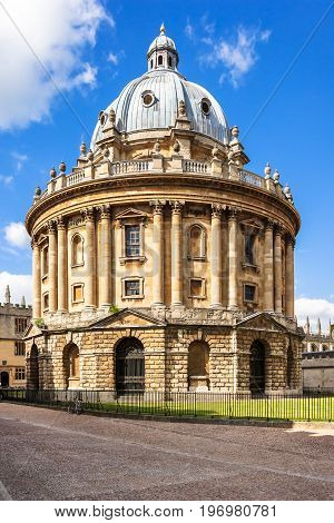 The Radcliffe Camera is a building of Oxford University designed by James Gibbs in neo-classical style and built in 1737-49 to house the Radcliffe Science Library but now is a reading rooms for the Bodleian Library.
