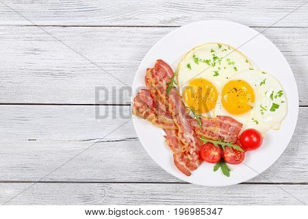 Sunny Side Up Eggs With Bacon