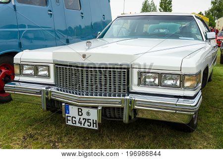 PAAREN IM GLIEN GERMANY - MAY 23 2015: Full-size luxury car Cadillac Sedan de Ville 1975. The oldtimer show in MAFZ.