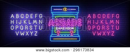 Arcade Games Neon Sign, Bright Signboard, Light Banner. Game Logo, Emblem And Label. Neon Sign Creat