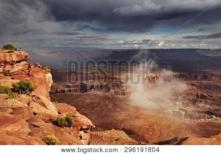 Island in the Sky, Canyonlands National Park, Utah, USA