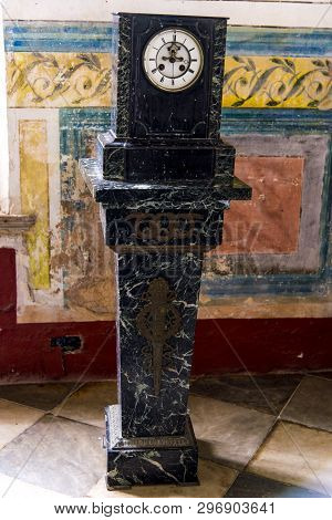 Old Clock - Timepieces Photo Taken On 3rd Of November, 2019 In Trinidad, Cuba