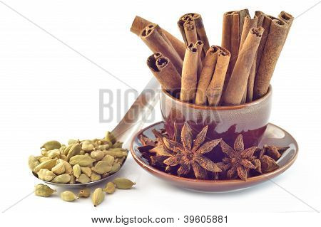 Cardamom seeds star anise cinnamon
