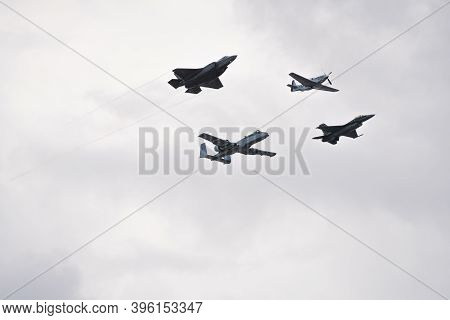 Military Jets Flying In Formation At The Air And Sea Show Fort Lauderdale Fl