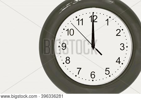 Large Of Gray Color Analog Clock Show 12 Hours At Midnight Or Noon Close-up
