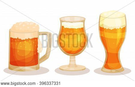 Pint And Glass Mug Of Cold Beer With Foam Vector Set