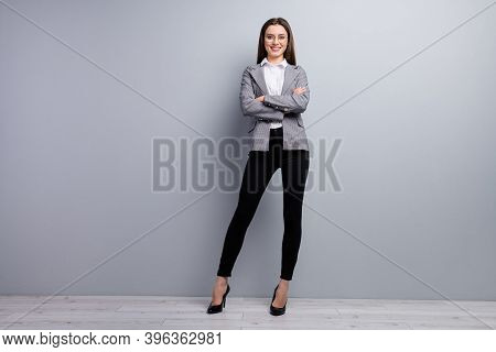 Full Size Photo Of Attractive Business Lady Beaming Smiling Worker Meet Colleagues Assistant Arms Cr