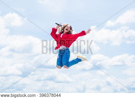 Young And Beautiful. Feel The Freedom. Music Is My Life. Kid Sing With Mic. Active And Energetic. Ch