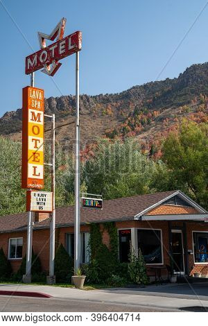 Lava Hot Springs, Idaho - September 21, 2020: Old Retro Neon Sign For The Lava Spa Motel, In The Dow