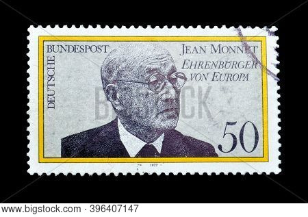 Germany - Circa 1977 : Cancelled Postage Stamp Printed By Germany, That Shows Portrait Of  French En