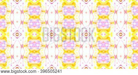 Seamless Spanish Porcelain Design. Folk Motif Bohemian Ornament. Handmade Textured Aquarel Effect. R