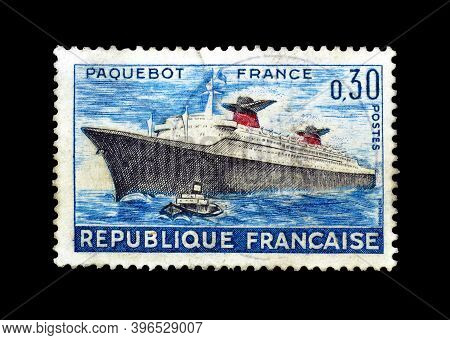 France - Circa 1962 : Cancelled Postage Stamp Printed By France, That Shows Passenger Ship