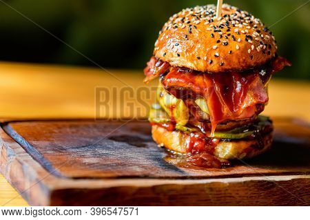 Close Up Tasty Burger With Minced Meat Served On Tray