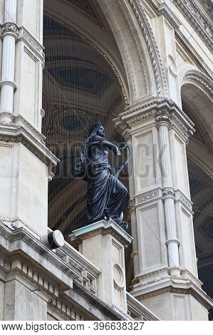 Vienna, Austria - May 16, 2019: This Is One Of The Five Muses On The Facade Of The Vienna Opera, The