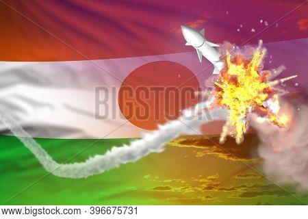 Strategic Rocket Destroyed In Air, Niger Ballistic Warhead Protection Concept - Missile Defense Mili