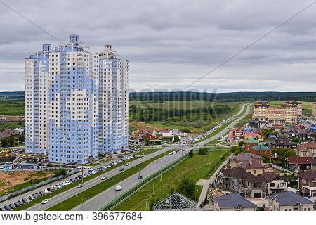 Perm, Russia - June 21, 2020: Spur Route Leads Out Of The City Through A Suburban And Commuter Areas