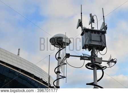 Radar For Warning Of The Appearance Of A Target And The Detection And Location Of Objects. Military