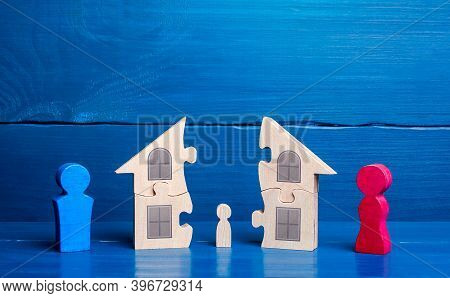 Division Of Property And Children Among Parents In Case Of Divorce. Parental Conflict Resolution, Cu