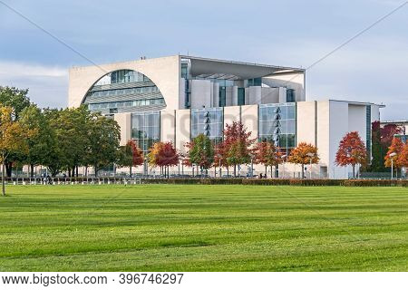 Berlin, Germany - October 20, 2020: Green Lawn Of The Republic Square (platz Der Republik)  Lined Wi