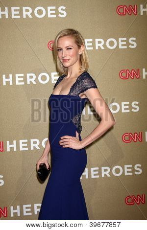 LOS ANGELES - DEC 2:  Beth Riesgraf arrives to the 2012 CNN Heroes Awards at Shrine Auditorium on December 2, 2012 in Los Angeles, CA