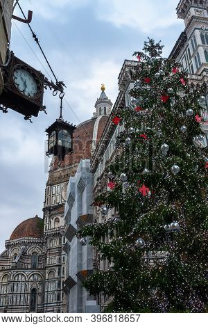 Christmas Tree In Florence, Christmas In Florence, Christmas Tree, Florence Main Tree, Tuscany, Flor