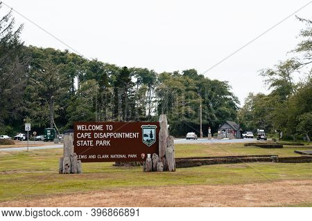 Washington, Usa - July 31, 2020: Welcome Sign To Cape Disappointment State Park / Lewis And Clark Na