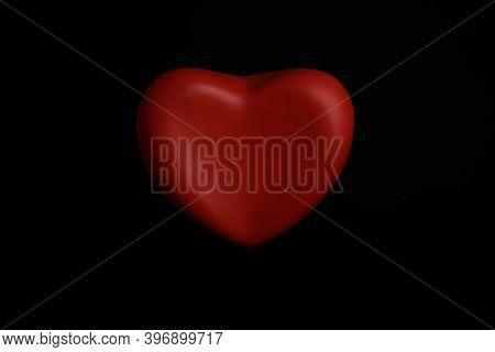 Corazon De Amor En Fondo Negro. Amor Puro